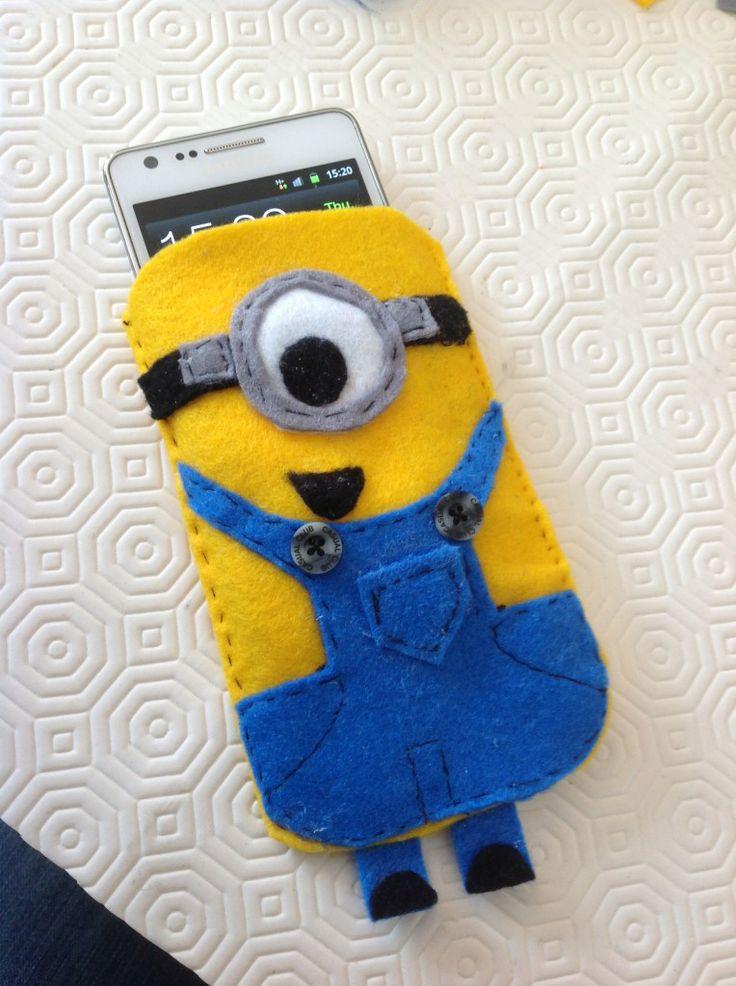 a minion phone case!