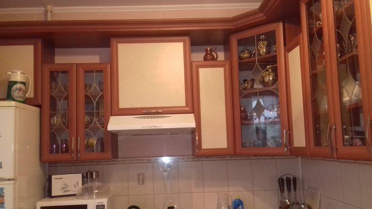 Продажа квартиры в Чернигове, 1-комн. кв. Ремзавод, пр. Мира, с ремонтом. Можно въезжать и жить ни чего не переделывая. Металлопластиковые окна, двойная входная дверь, потянуты потолки, новая сантехника, балкон застеклён и утеплён, жалюзи, москитные сетки, а так же встроенная современная кухонная мебель. Неподалёку две школы, садики, магазины, рынок, больницы и остановки.