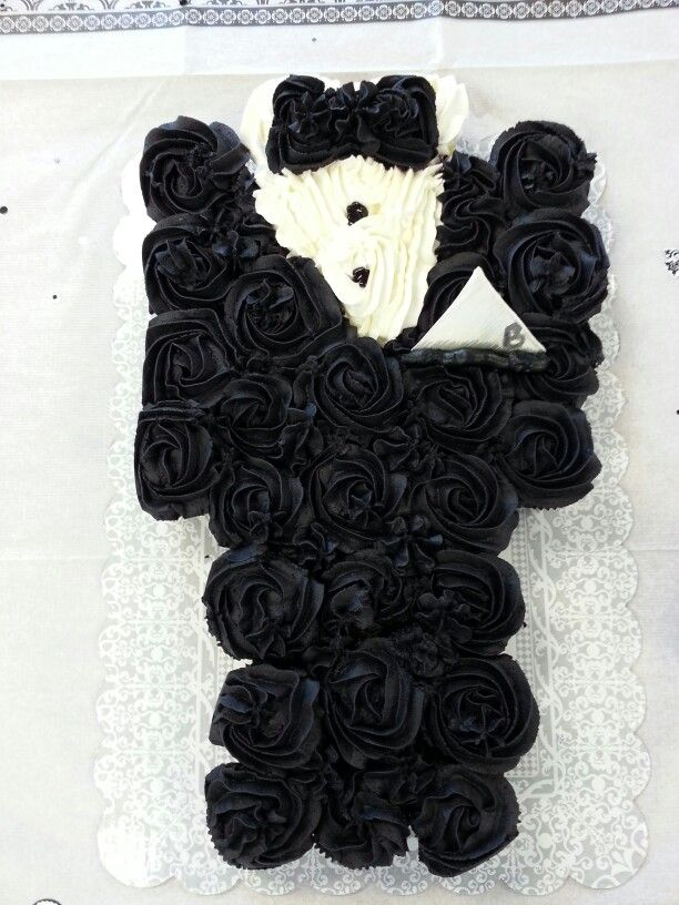 Tuxedo Grooms cupcake cake. maybe a little different though.....