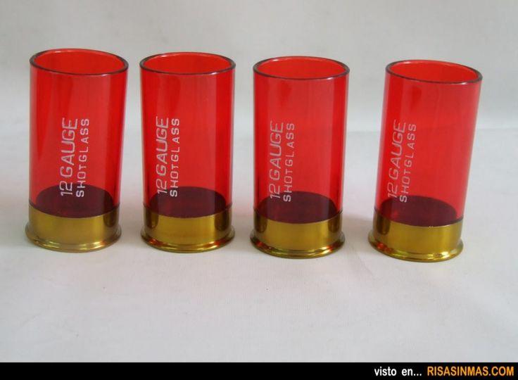 Vasos de chupito cartuchos de escopeta.