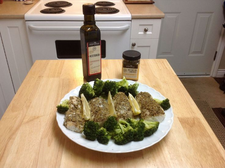 Alaska cod  Last night, I again experimented with our amazing products! I baked Wild Alaskan Cod. I lightly brushed both sides of the fish with the YIAH Mediterranean Olive Oil and then generously sprinkled the top of each piece with YIAH West Coast Fish Lemon Myrtle meat rub. It turned out great! #yiah  #cod