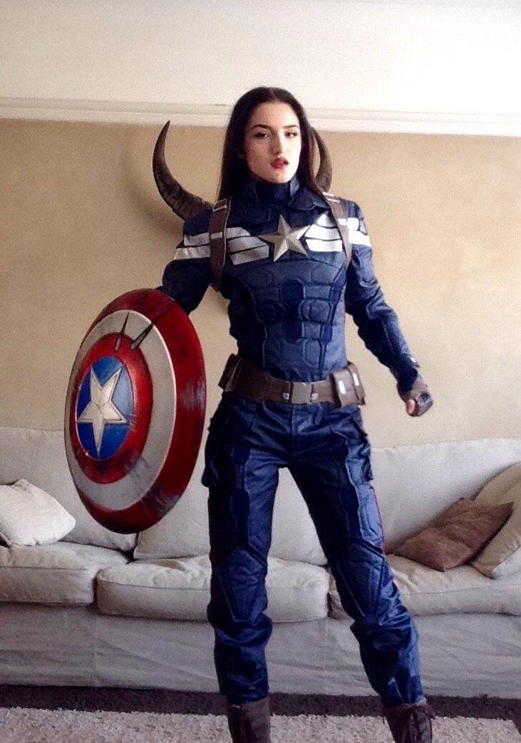 Female Superhero Halloween Costumes