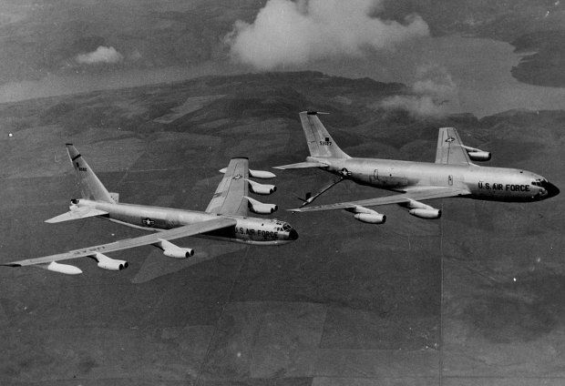 1. Ta historia jest prawdziwa, choć wygląda jak scenariusz filmu sensacyjnego  2. Zgubione bomby spadły na Hiszpanię z wysokości ponad 9000 metrów  3. Każda miała moc dużo większą niż ta zrzucona w 1945 roku na Hiroszimę
