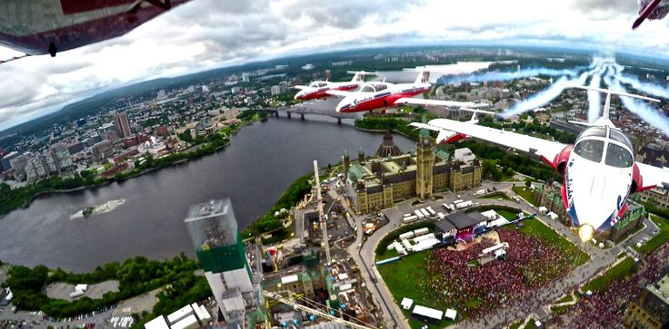 Canadian Hero Vickers Takes Flight With Snowbirds