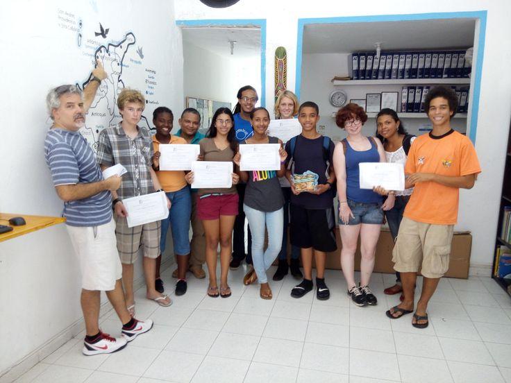 Entrega de Diplomas Hoy terminaron las clases nuestros estudiantes de las Islas Vírgenes, de los Estados Unidos; acá las fotos de la entrega de diplomas.  Gracias y Felicitaciones Muchachos. Hasta Pronto.