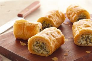 One of my favourite appetizers!: Phyllo Recipe, Phyllo Rolls Up, Spinach Phyllo, Spinach Rolls, Makeahead, Phyllo Rollup, Appetizer, Make Ahead Spinach, Cream Chee