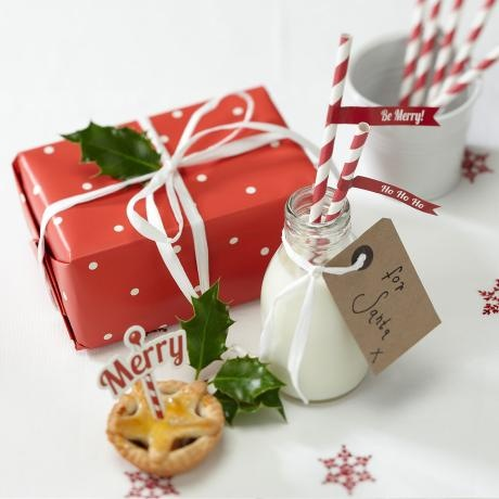 Paper Straws & Flags – Christmas Cheer from Christmas Décor - R49 (Save 18%)