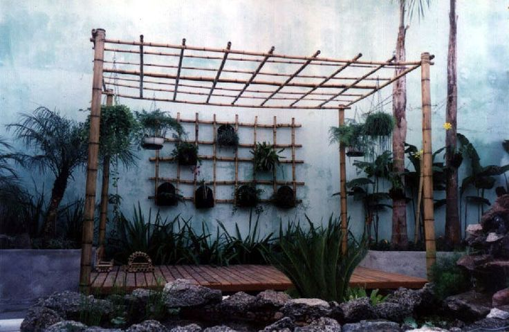 Pergolado de bambu simples