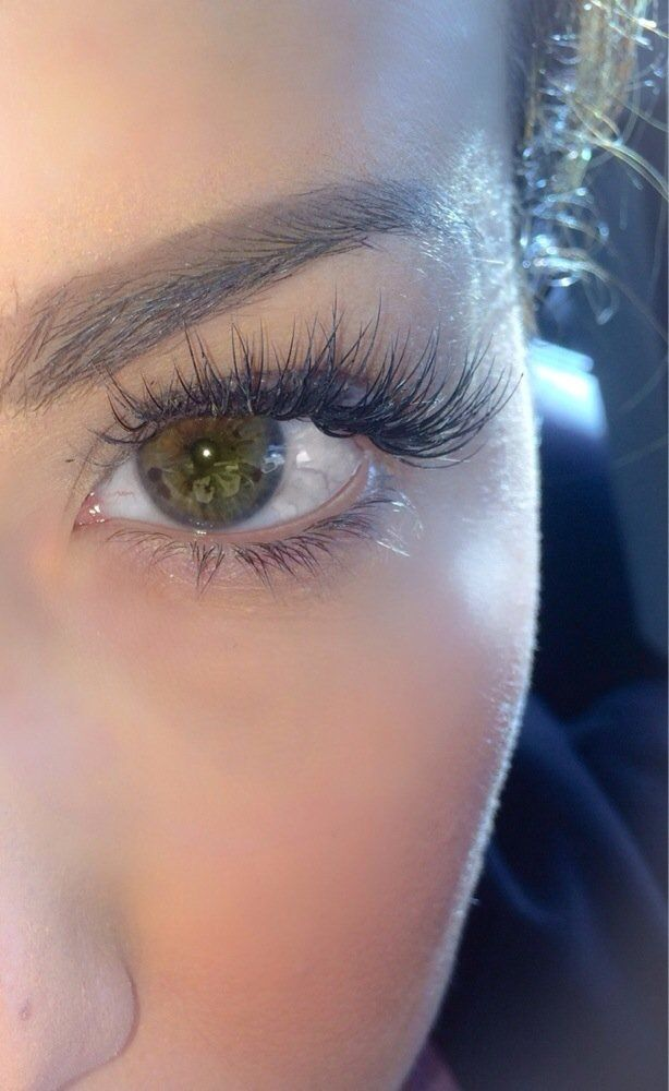 Kaylie Browne eyelash extensions