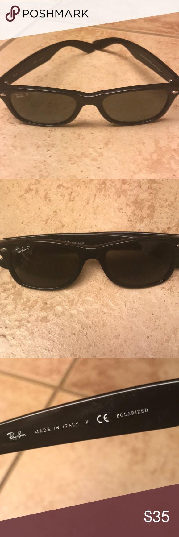 Ray-Ban wayfarer Black Ray-Ban polarized wayfarer  gray lenses. Eye size 52/18 Ray-Ban Accessories Glasses