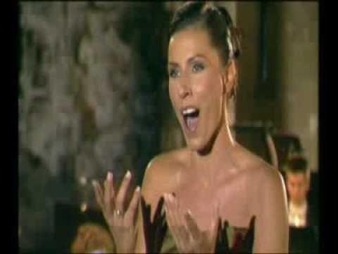 "Erika Miklosa as Queen of the Night ""Der Hölle Rache"""