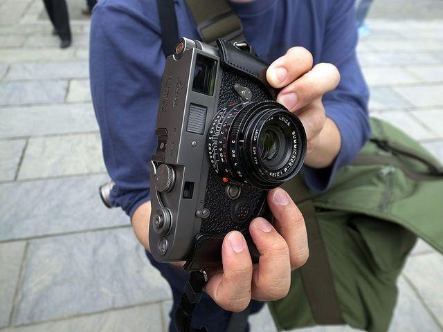 телефон не видит фотографии в фотоаппарате достойных много
