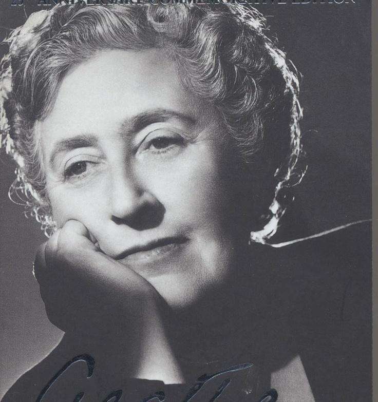 Agatha Christie a rainha do romance policial.