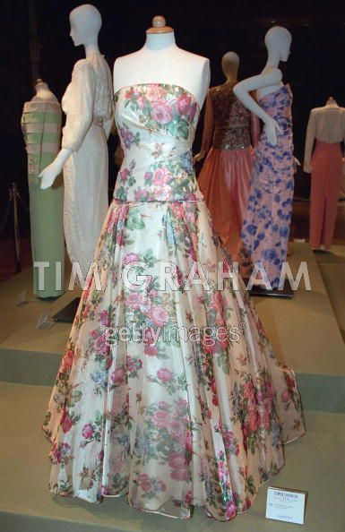 princess diana gowns   Diana Dresses Sold At Auction - Princess Diana Photo (21857002 ...