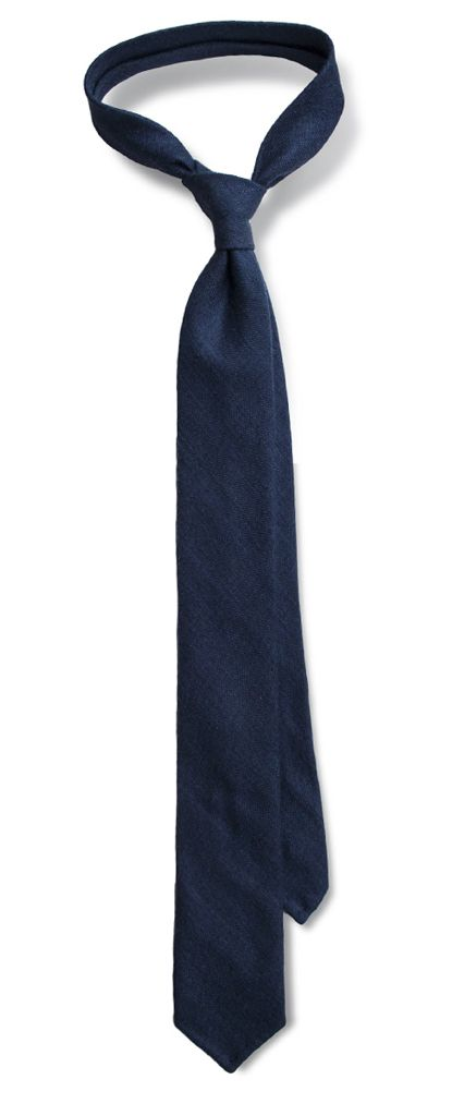 Barossa. Navy blue untipped six-fold tie.