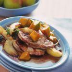 Scopri su Sale&Pepe la ricetta delle scaloppine di maiale con pere e zucca, un piatto dal delicato contrasto di sapori.