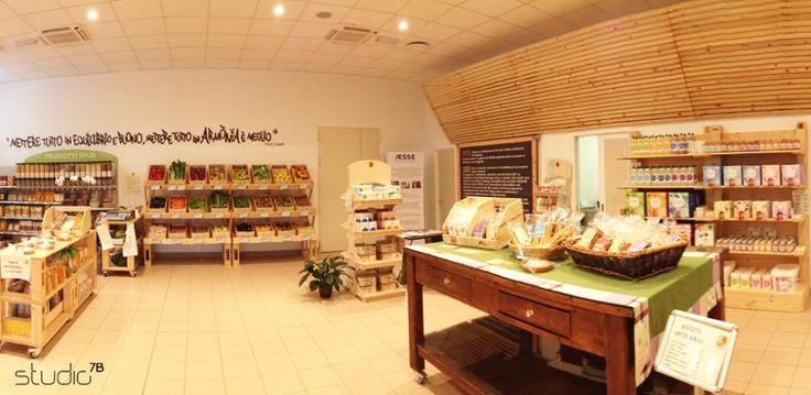 "Interior design by Giovanni Tomasini - Studio7B / Health Food Store ""Armònia"" - Brescia (ITALY) - 2014. #pallet #design #eco #wood #natural #interior #design #architecture #pallets #wall #oldwood #newlife #recycled #health #store #cafè #bio #locale #negozio #furniture #arredo #madeinitaly #style #Studio7B #biologico #greendesign"