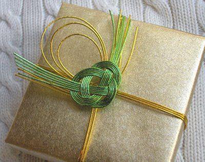 zakka life: Gift Wrapping with Mizuhiki Cord