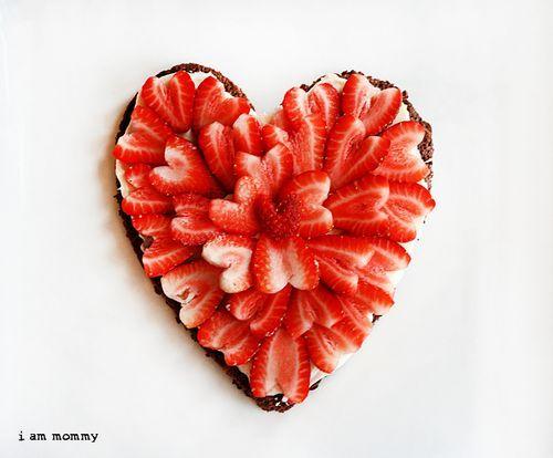 Valentines Strawberry Brownie Pizza Dessert #Valentines