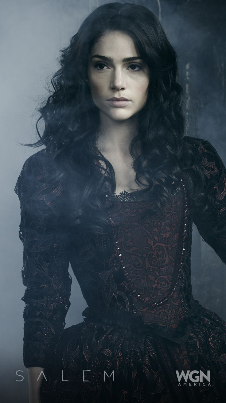 """Both villainess and heroine – Mary Sibley is always the center of attention (Janet Montgomery).  """"Salem"""" Season 2 – Sunday, April 5 at 10/9c on WGN America."""