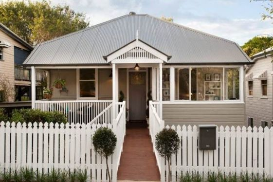 Built in 1920 and fully restored and renovated in 2013 this Annerley home set on the boundary of Woolloongabba, has not only the best of locations to offer but the luxury of practical and stylish living. Every detail of this pre war workers cottage renovation has been meticulously planned to enhance...