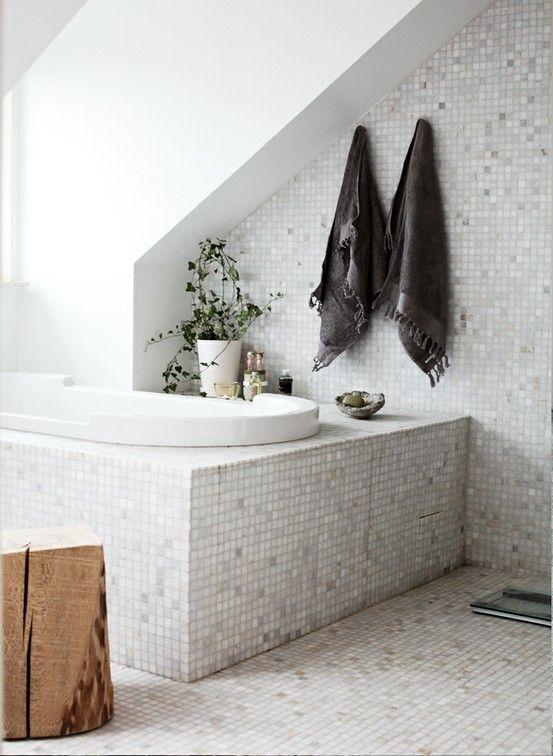 decocrush_25_idees_deco_pour_une_salle_de_bain_des_plantes_vertes