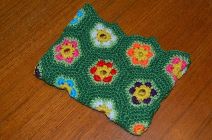 Crochet small purse