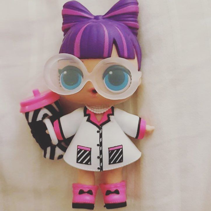 Lol Bebek Confetti Pop Serisi Bebeklerinden Biri Bunu Sonra Alicam Lol Dolls Custom Dolls Shopkin Dolls