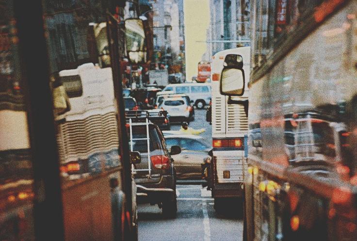 Photo Simon Gaviria - Minolta XD11 #nyc #newyork #bus #mta #traffic