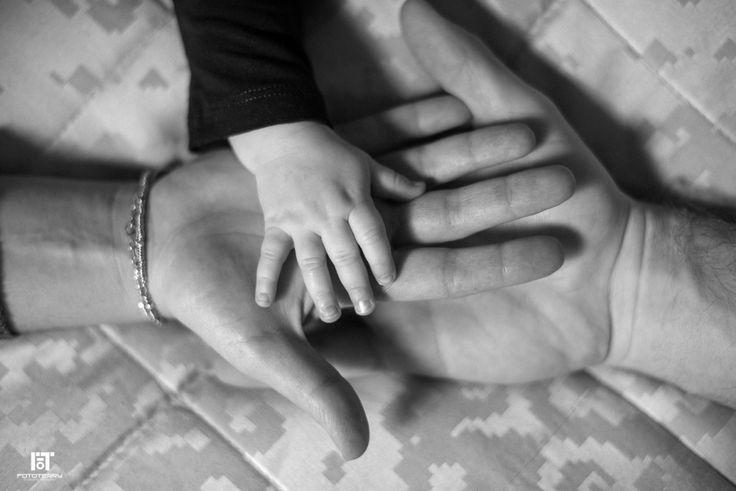 Incontro di mani. Amore! #mani   #amore   #love   #family   #famiglia  #photo