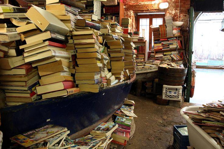 Cómprate un libro en una de las librerías más bellas del mundo