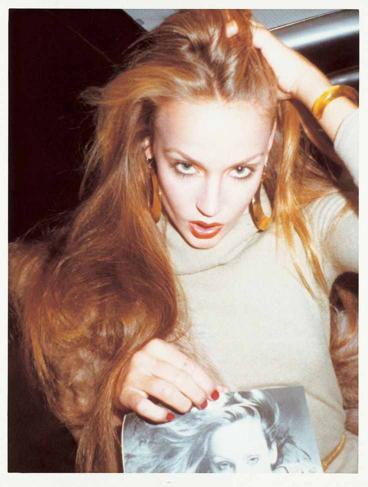 This picture of Jerry Hall in New York in 1977 inspired me because her hair is beautiful.