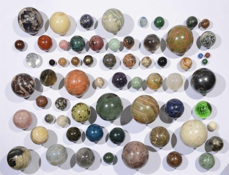 collection de boules en pierres dures semi pr cieuses de madagascar d 39 afrique du sud et du. Black Bedroom Furniture Sets. Home Design Ideas