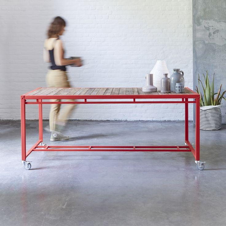 Table en bois recyclés et métal 180x90 atelier red