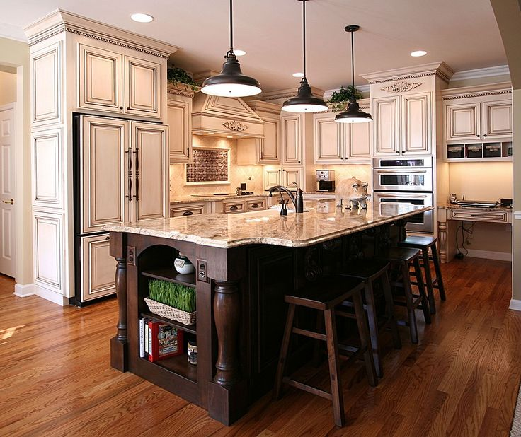 Stylish Two Tone Kitchen Cabinets For Your Inspiration: Best 25+ Mediterranean Kitchen Cabinets Ideas On Pinterest
