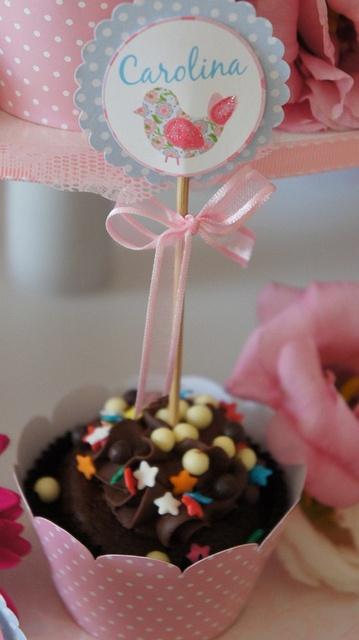 Cupcake topper com nome da aniversariante