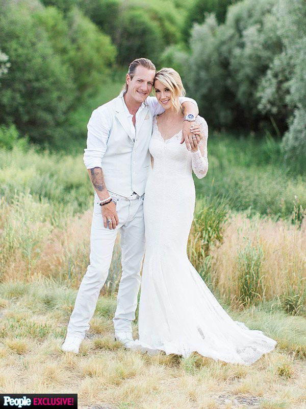 Florida Georgia Line's Tyler Hubbard Marries Hayley Stommel: Here's What You Need to Know About Her Gorgeous Lace Gown (EXCLUSIVE) http://stylenews.peoplestylewatch.com/2015/07/02/florida-georgia-line-tyler-hubbard-hayley-stommel-wedding-dress/