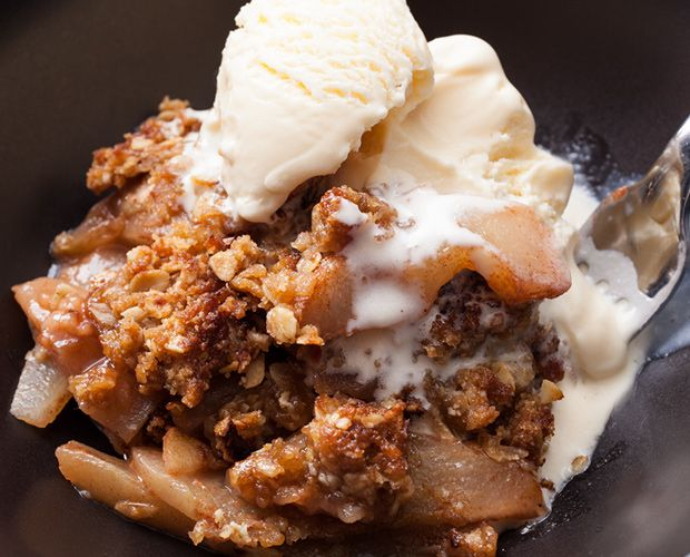 25 best ideas about apple crisp with oatmeal on pinterest for Apple pear recipes easy