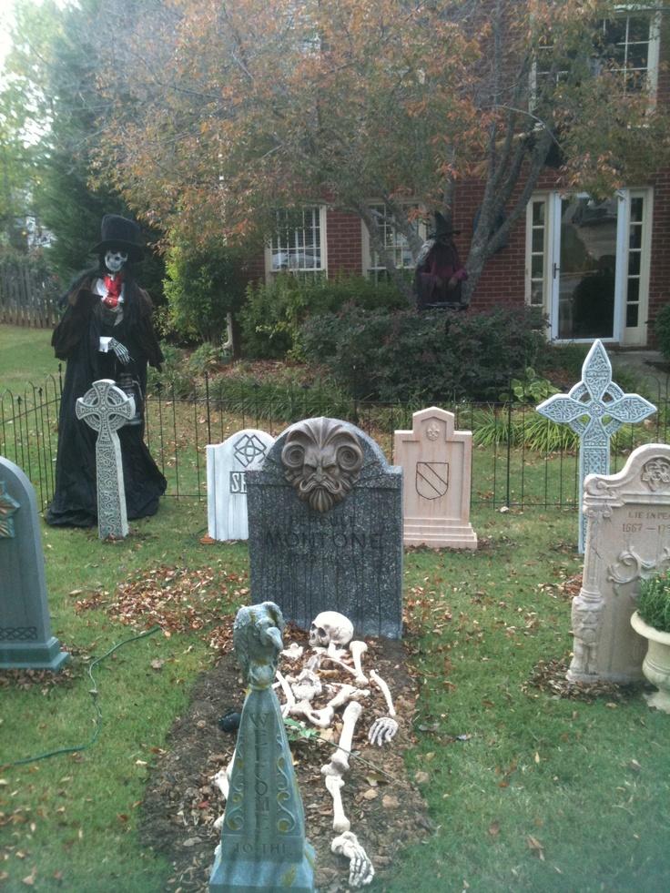25 best ideas about halloween graveyard on pinterest. Black Bedroom Furniture Sets. Home Design Ideas