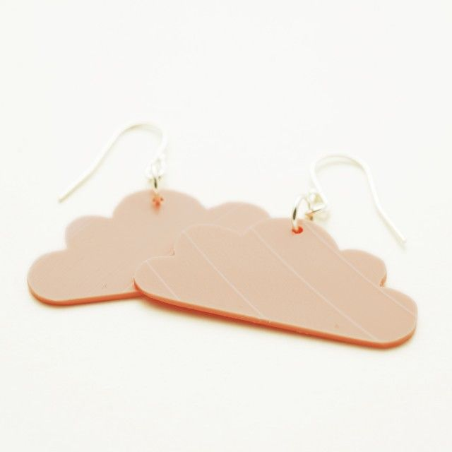 Beautiful cloud shaped earrings redesigned from old vinyls by Made by Leena #nordicdesigncollective #madebyleena #redesign #vinyl #jewelry #earring #earrings #cloud #clouds #sky #weather #silver #lp #lpskiva #music #pink #pastel #accessory