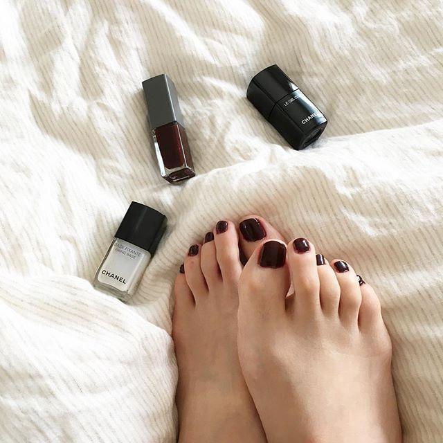 ✨✨✨ * * * ネイルをチェンジ。 * * * * #今日のコスメ#コスメ#化粧品#化粧 #instabeauty#beauty#make#makeup#cosme#cosmetics #置き画#置き画くらぶ #chanel#chanelcosmetics #シャネル#ネイル#nail#nails#ショートネイル #shortnail #セルフネイル#selfnail #コスメ好きさんと繋がりたい #コスメ好き#スリー#three #