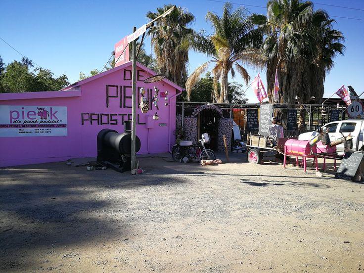 Pink farmstall