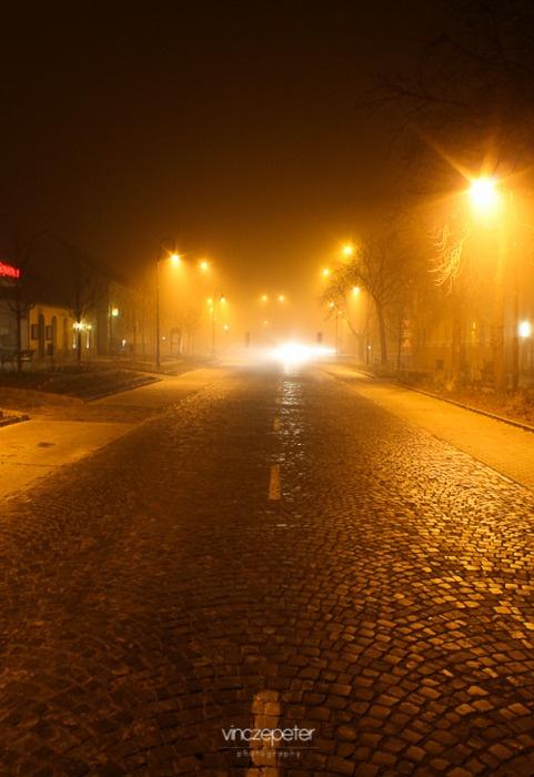 Ködös főutca, Sümeg // foggy mainstreet  in Sümeg ... by VinczePeter.hu