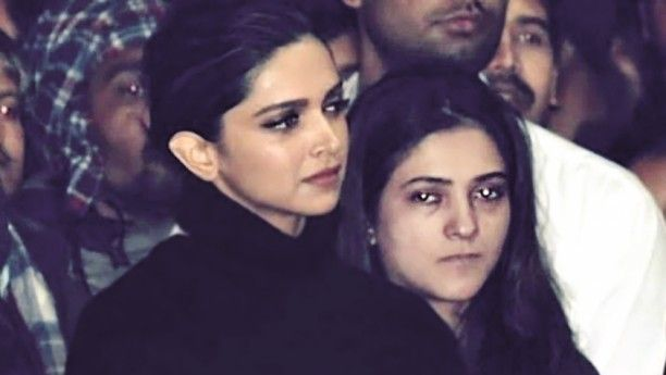 Deepika Padukone Visits Jnu Where Students Were Attacked Deepika Padukone Leader Student
