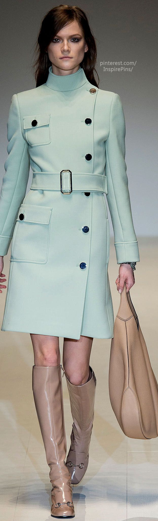 Oliviapopeworthy...Fall 2014 Ready-to-Wear Gucci - love this colour, love this shape!!! Add a pencil skirt ...