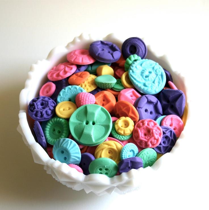 eetbare knoopjes!: Edible Vintage, Vintage Buttons, Edible Buttons, Buttons Buttons, Vintage Wardrobe, Candy Buttons, 200 Bright, Buttons 200, Vintage Candy