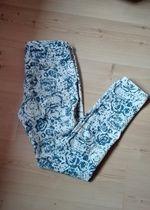 spodnie w kwiatki / spodnie we wzory / super spodnie / modne kwiaty