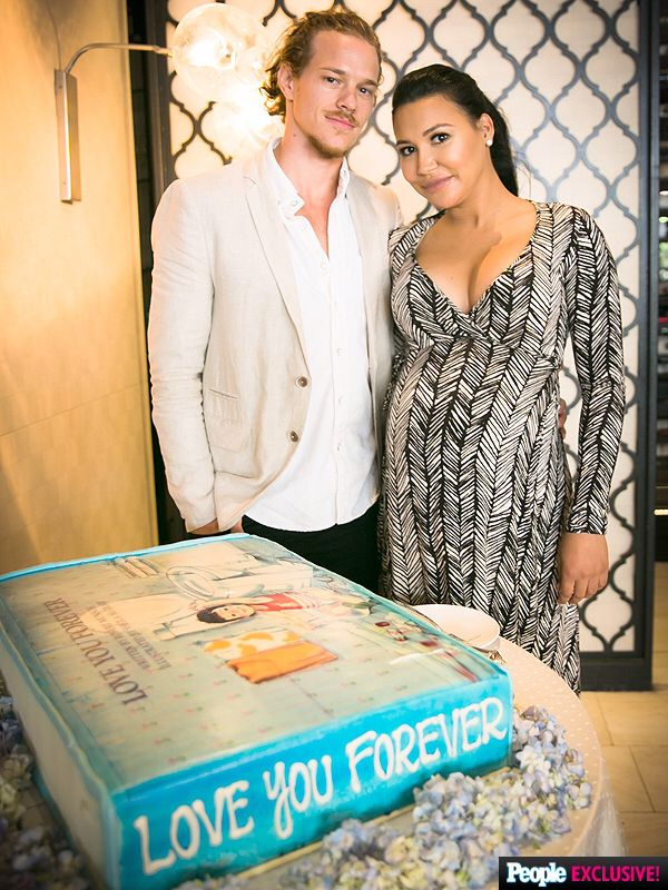 Naya Rivera and Ryan Dorsey with the cake for their baby shower
