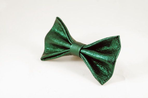 Emerald Green Bow Tie by LimeG on Etsy