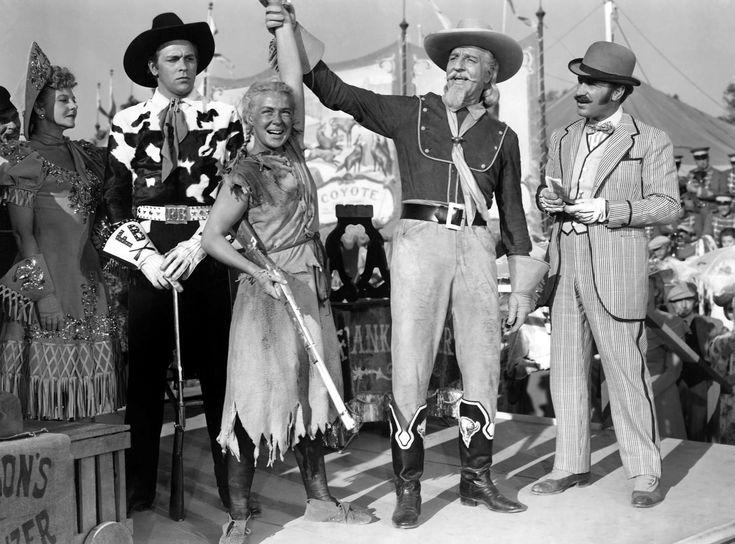 Benay Venuta, Howard Keel, Betty Hutton, Louis Calhern, and Keenan Wynn in Annie Get Your Gun